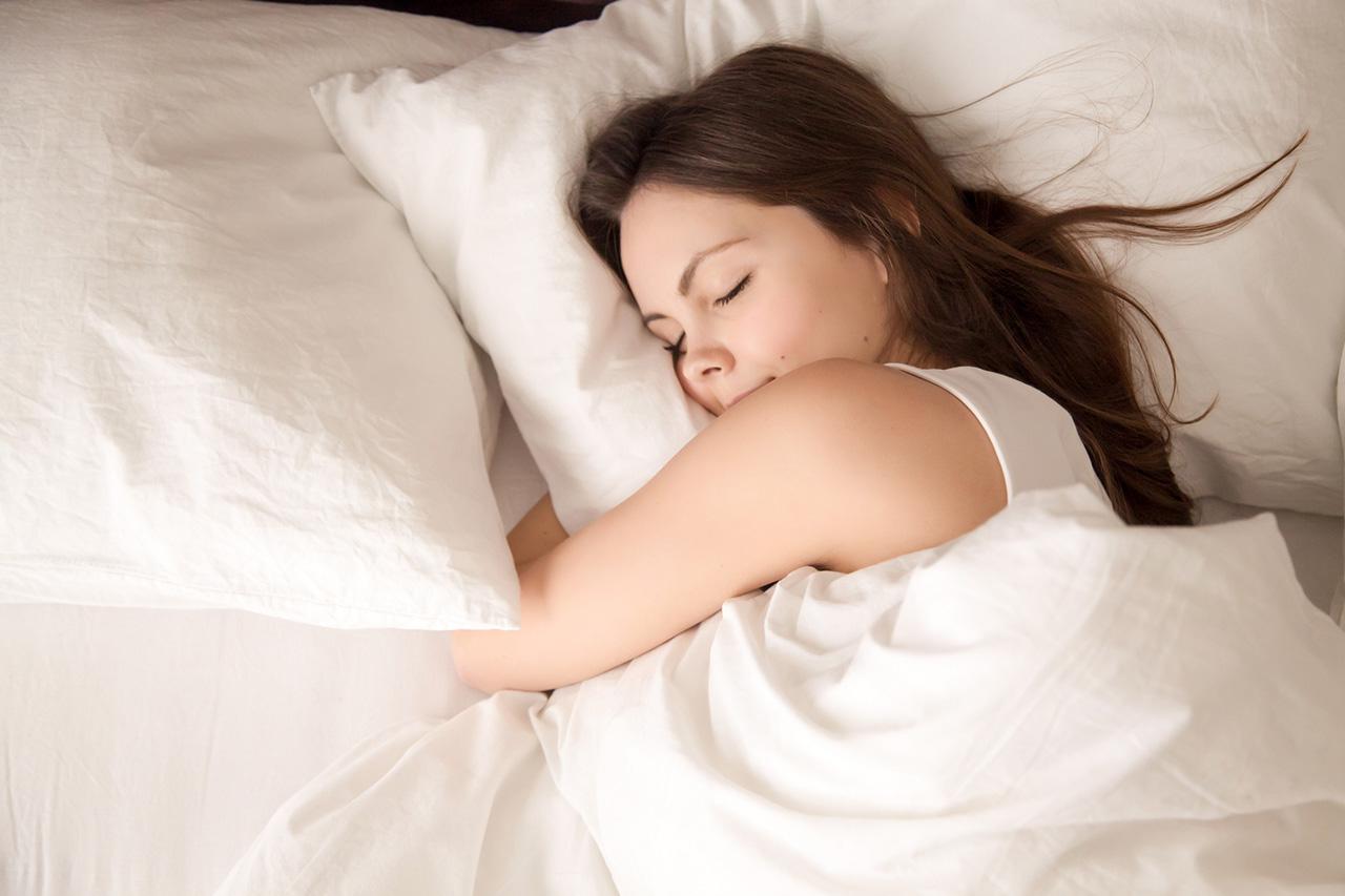 今の睡眠にアレコレ悩まなくていい枕を。自分の眠りに満足する