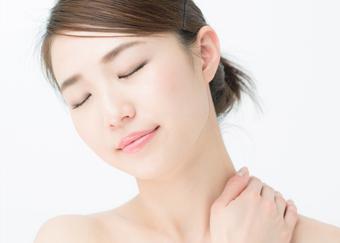 肩こりの原因は合わない枕にある?肩こりのメカニズムと枕の選び方ガイド
